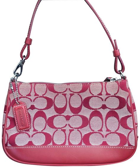 Red leather coach purse featuring the classic CC pattern. Leather strap features a clip so you can wear this on your shoulder or as a clutch. Priced to move Red Shoulder Bags, Coach Shoulder Bag, Foot Pics, Tote Backpack, Mini Purse, Vintage Coach, Cloth Bags, Coach Purses, Red Leather