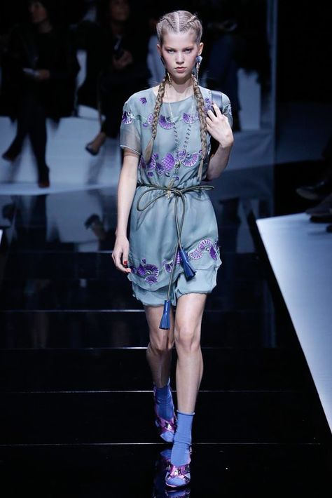 Emporio Armani Spring 2017 Ready-to-Wear Fashion Show - Nynke Slegers