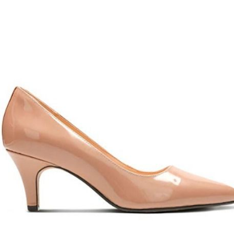 Clarks Womenss Isidora Faye Closed Toe Heels