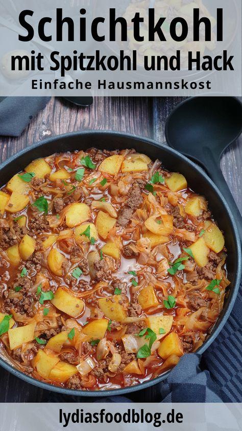 Schichtkohl mit Hackfleisch ist ein bodenständiges, deftiges und einfaches Gericht. Mit meinem Rezept und der Schritt-für-Schritt-Anleitung zeige ich dir wie es schnell und einfach gelingt. Du brauchst nur die 3 Grundzutaten Kohl, Hackfleisch und Kartoffeln. Dazu kommt eine deftige Fleischbrühe und ein paar Gewürze. So kochst du mit wenig Zutaten ein sättigendes und leckeres Gericht, ganz ohne Tüte. #kochen #fleisch #hackfleisch #schichtkohl #einfach #eintopf #gesund #rezepte