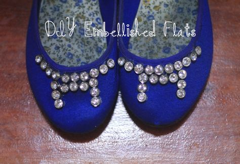DIY Embellished Flats – Simple Way To Give Your Old Flats A New Look    Blog: http://www.crystalsrus.com/blog/  Materials:http://www.crystalsrus.com/