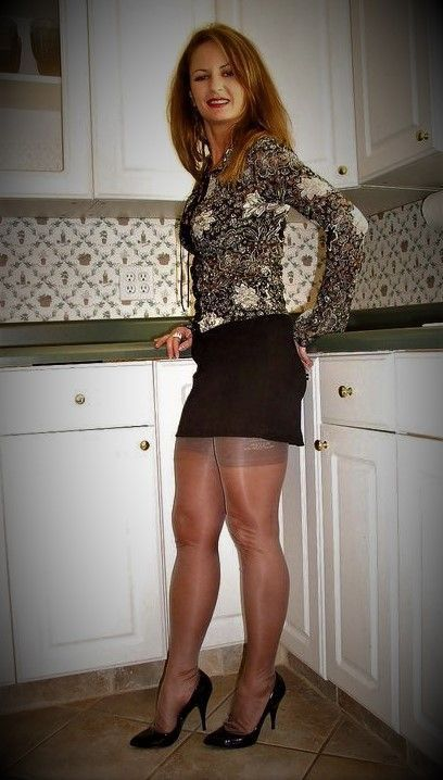 Skinny Mature Stocking Hd