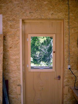 Diy 木製ドアを自作する 木製ドア ドア 小屋作り
