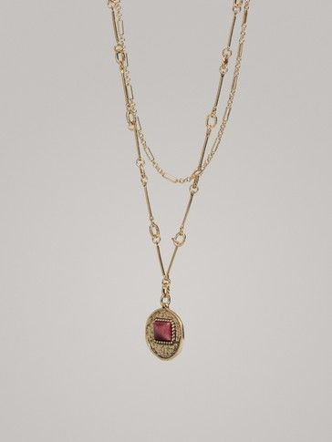 DOUBLE-CHAIN NECKLACE WITH MEDALLION