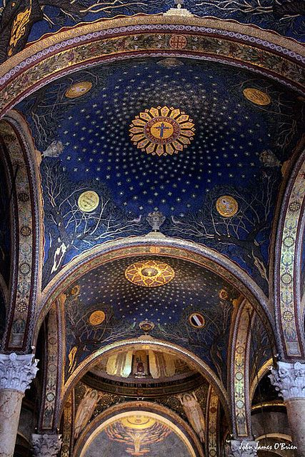 Biblical History ~ Church of Gethsemane, Jerusalem, Israel. Officially called The Church of Agony or the Church of All Nations. It is located next to the olive grove where it is believed Jesus prayed and was arrested on the Friday before he was crucified. Architecture Baroque, Church Architecture, Amazing Architecture, Sacred Architecture, Russian Architecture, Oh The Places You'll Go, Places To Travel, Heiliges Land, Arte Judaica