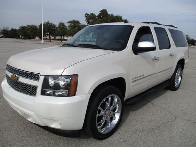 2013 chevrolet suburban 2wd 4dr 1500 ltz white suv 4 doors 20500 to view more details go to https www ecarspro chevrolet suburban white suv suv pinterest