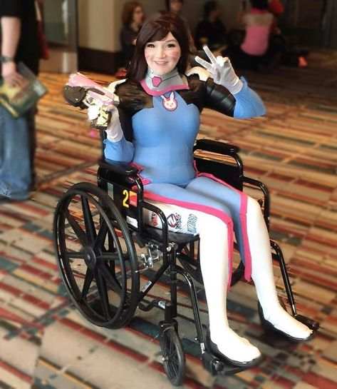 gorgeous DVA! Pls show some LOVE and...