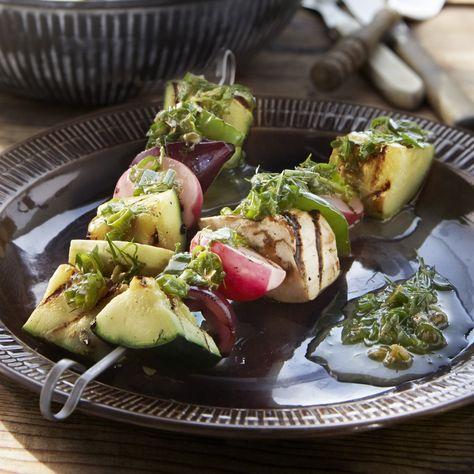 Szaszłyki warzywne z salsą ziołową #przepisy #przepis #zdrowejedzenie #jedzenie #zdrowejedzenie #food #instafood #foodpic #foodporn #instarecipes