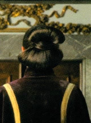 Hair Tutorial Https Navajocodetalkers Org Navajo Hair Bun Or Https Www Youtube Com Watch V Xayj5mny7e4 Fea In 2020 Bun Hairstyles Hair Tutorial Padme Amidala
