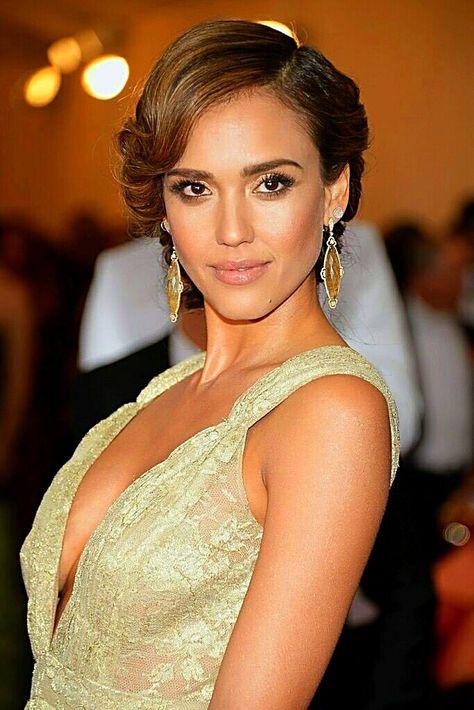 bridesmaid hair jessica+alba   Jessica Alba in Gucci: 2012 Golden Globes Style - Fashion Forum