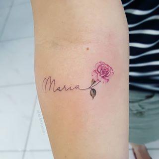 Fran 39 S First Tattoo Was A Tribute To Her Mother Maria Rosa Very Tatoo Fran39s Mari Tatuajes De Nombres Rosas Con Nombres Tatuajes Preciosos