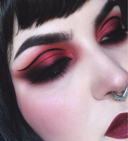 Eye Makeup Tips – How To Apply Eyeliner – Makeup Design Ideas Emo Makeup, Devil Makeup, Rave Makeup, Witch Makeup, Gothic Makeup, Eye Makeup Tips, Fantasy Makeup, Makeup Ideas, Dark Angel Makeup