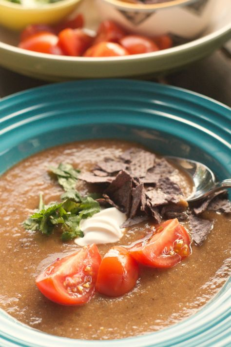 {Vegetarian} Blender Tortilla Soup reluctantentertainer.com