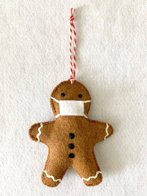 Gingerbread Ornaments, Felt Christmas Ornaments, Felt Christmas Decorations, Diy Christmas Gifts, Christmas Projects, Christmas Holidays, Gingerbread Man, Kids Christmas Crafts, Kids Ornament