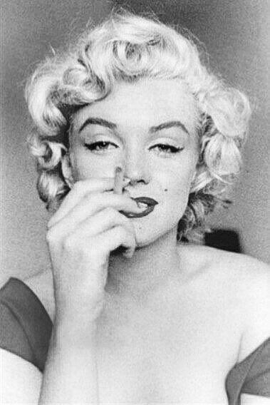 マリリンモンロー Marilyn Monroe おしゃれまとめの人気アイデア Pinterest S 画像あり ビューティーフォト 女優 ビューティー