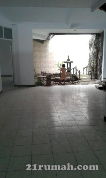 Rumah Asri Dan Nyaman Di Pamulang Flooring Tile Floor