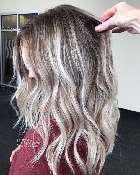 Snow white blonde platinum balayage ombre by Grey Balayage, Balayage Hair Brunette Long, Balayage Hair Caramel, Hair Color Balayage, Ombre Hair, Blonde Brunette, White Highlights, Cool Blonde Highlights, Blonde Grise