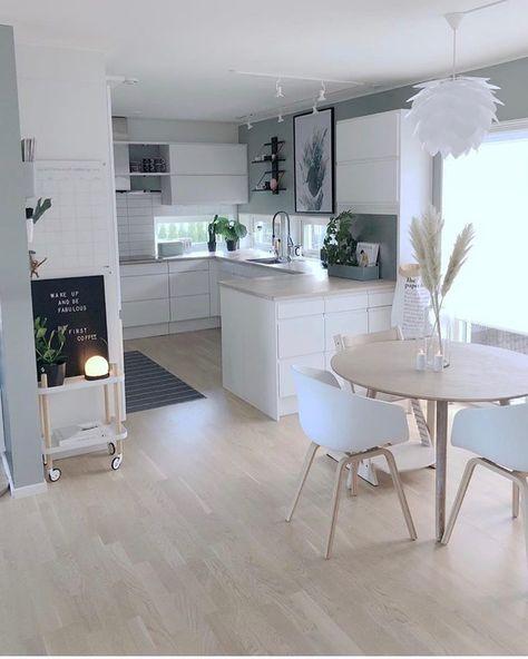 "Interior Design ✨ Inspiration on Instagram: ""Morning 💛🖤 What a stunning kitchen 🙌🏻✨ Cred @fruspilde . . . . #kitcheninspo #kitchendecor #kitchenisland #kitchendetails…"""