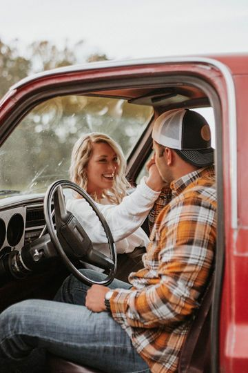 Photo by Samantha Brooke Photography Cute Country Couples, Country Couple Pictures, Country Engagement Pictures, Engagement Photo Poses, Cute Couples Photos, Cute Couple Pictures, Couple Pics, Couple Goals, Engagement Shots