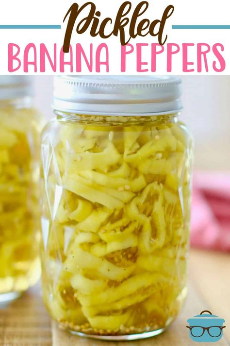 Easy Pickled Banana Peppers are super simple to make and so tasty! Vinegar, must. - Easy Pickled Banana Peppers are super simple to make and so tasty! Recipes With Banana Peppers, Sweet Banana Peppers, Stuffed Banana Peppers, Stuffed Sweet Peppers, Banana Pepper Recipes, Banana Pepper Sauce Recipe, Banana Pepper Mustard Recipe, Yellow Pepper Recipes, Pickled Hot Peppers