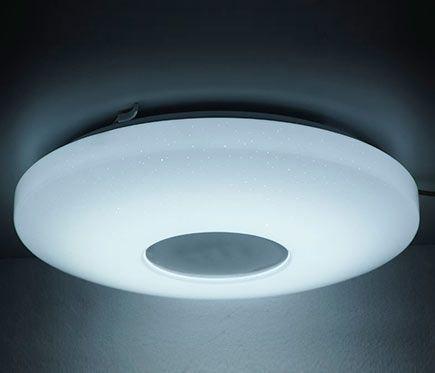 Dispone De Mando A Distancia Para Regular El Tono Y La Intensidad De La Luz Iluminacion Interiorplafones Domotica Led Plafones Iluminacion
