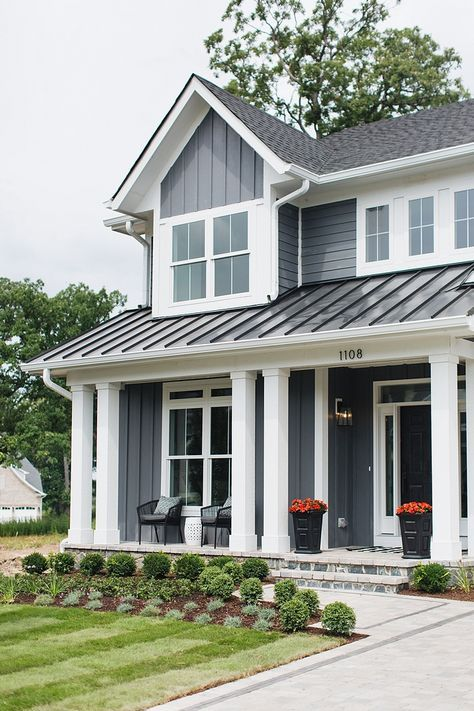 Hardie Siding And Board And Batten In James Hardie Night Gray A