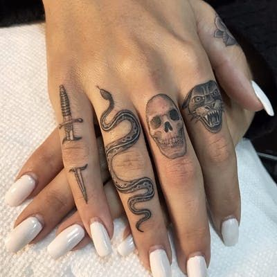 Finger tattoos by Ben Grillo … – Hand Tattoos Cute Hand Tattoos, Hand Tats, Dainty Tattoos, Mini Tattoos, Unique Tattoos, Body Art Tattoos, Sleeve Tattoos, Unique Tattoo Designs, Man Hand Tattoo