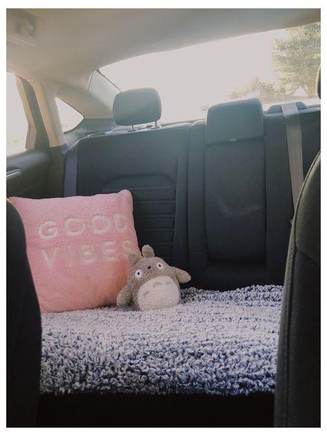 Hippie Auto, Hippie Car, Car Interior Accessories, Car Accessories For Girls, Wrangler Accessories, Auto Accessories, Car Interior Decor, Car Interior Design, Interior Ideas