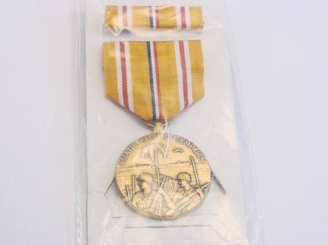 VINTAGE WW II Asiatic Pacific Military Medal