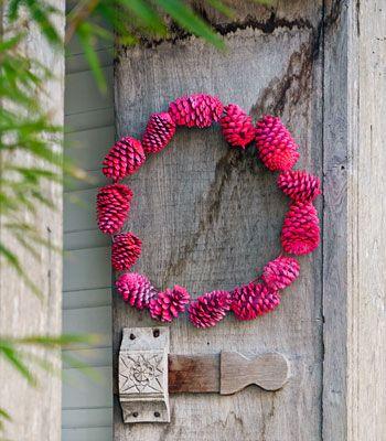 DIY: neon/bright pine cone wreath