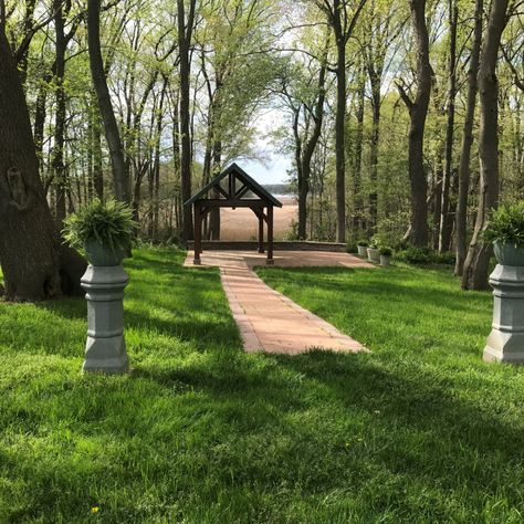 Beautiful Day for a Wedding! Days are getting warmer, the grass is getting greener and the leaves are finally coming in. Ready to celebrate? For more information visit www.farmweddingde.com #sayido #celebration #love #celebratelove #happines #wedding #weddingreception #receptionvenue #weddingvenue #ballroomatwindsor #farmweddingvenue #weddingday