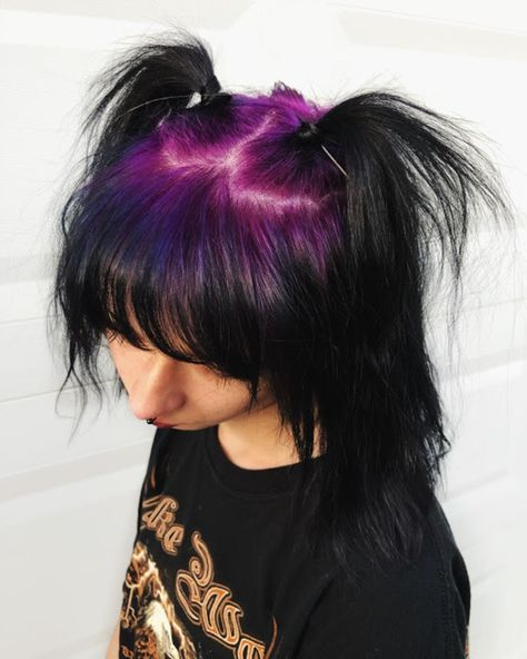 Hair Color Streaks, Hair Dye Colors, Hair Color For Black Hair, Green Hair, Purple Hair, Goth Hair, Emo Hair, Pelo Emo, Aesthetic Hair