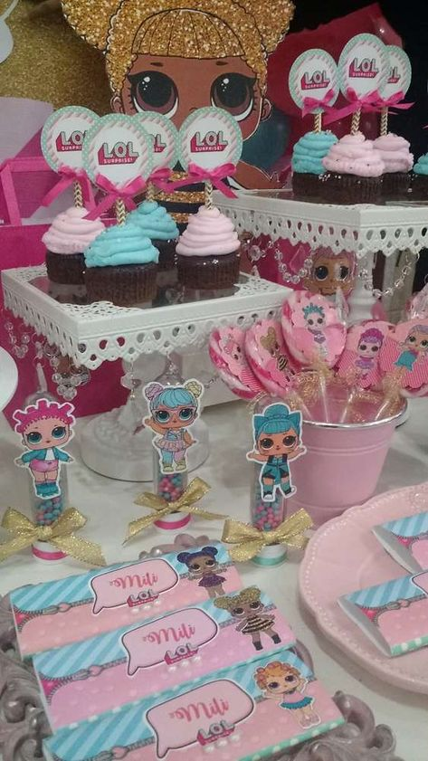 Un mundo de muñecas Birthday Party Ideas | Photo 3 of 25 | Catch My Party