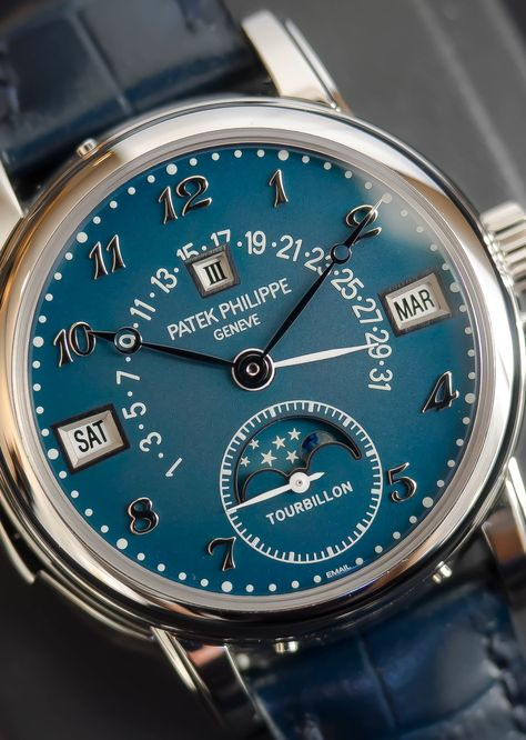 Fantastic Patek Philippe 'Grand Compilations' with a blue enamel dial! Stylish Watches, Cool Watches, Rolex Watches, Best Watches For Men, Luxury Watches For Men, Patek Philippe, Hand Watch, Beautiful Watches, Vintage Watches
