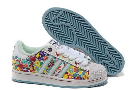 ec50fbd0735 Originals Adidas Dust Roze Print/Running Wit Dames Superstar Lotus Print  Schoenen   schoenen - Rozen, Adidas en Adidas originals