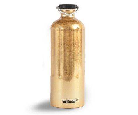 2df1de99b8 SIGG-gold-heritage-bottle   My Sweating Style   Bottle, Water bottle ...