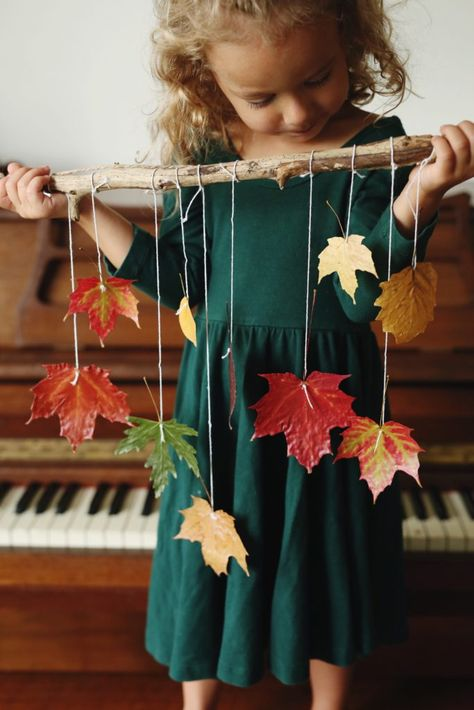 When life gives you leaves. Autumn Leaves Craft, Autumn Crafts, Fall Crafts For Kids, Easy Christmas Crafts, Autumn Art, Nature Crafts, Thanksgiving Crafts, Toddler Crafts, Preschool Crafts