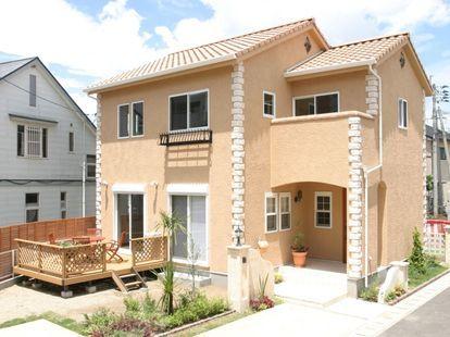 南欧風の家の外観の画像集 サイディング スペイン 瓦 黄色 注文住宅