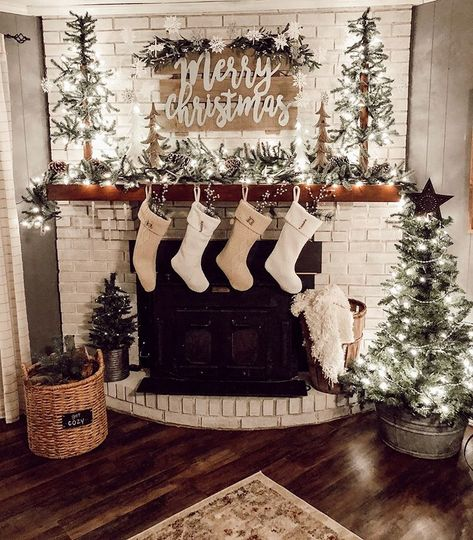 Christmas mantle G O A L S! 😍🎄 We know you guys love to deck out your mantle in the best holiday decor! We are loving silver and neutral themed mantle.   We saw that neutrals were playing a big part in holiday decor last season Decoration Christmas, Farmhouse Christmas Decor, Christmas Mantels, Country Christmas, Xmas Decorations, Christmas Fireplace Decorations, Fire Place Christmas Decor, Mantles Decor, Decorate Fireplace For Christmas