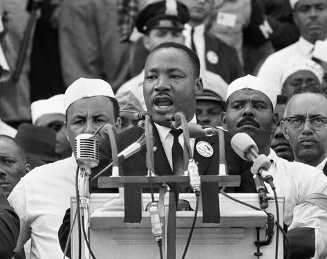 True Stories Behind 23 Of The Most Iconic Photos In American