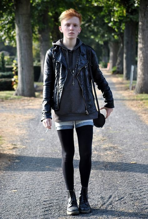 Great style proving the shorts and tights combo works on a guy!
