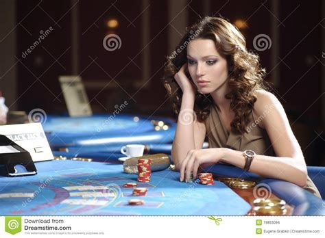 Poker Iowa City – All You Need To Know If You Want To Hit The Slots Online