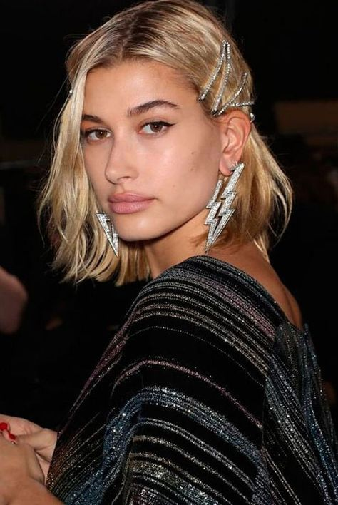 The 2019 Hair Trend you're Going to Want in On Style influencers are going all in on this 2019 hair trend! Statement hair accessories, hair pin and barrettes, crystal head pieces, 2019 fashion trends