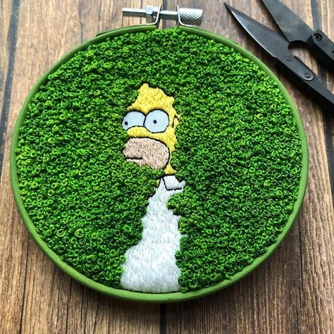 Self-described introvert Rayna of Hermit Girl Creations created a wonderfully lush, circular embroidery of a sneaky Homer Simpson backing into the bushes Modern Embroidery, Hand Embroidery Patterns, Diy Embroidery, Cross Stitch Embroidery, Embroidery Designs, Basic Embroidery Stitches, Art Patterns, Japanese Embroidery, Embroidery Patches