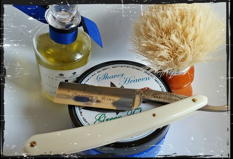 Shaver Heaven and the Semogue Owners Club Boar brush created a most excellent lather, thick and rich that enabled a great shave to start the week.. very nice ..
