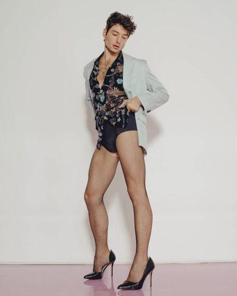 𝔶𝔬𝔲𝔫𝔤𝔰𝔥𝔦𝔷𝔷𝔩𝔢 Fashion Ezra Miller Gender Fluid Fashion