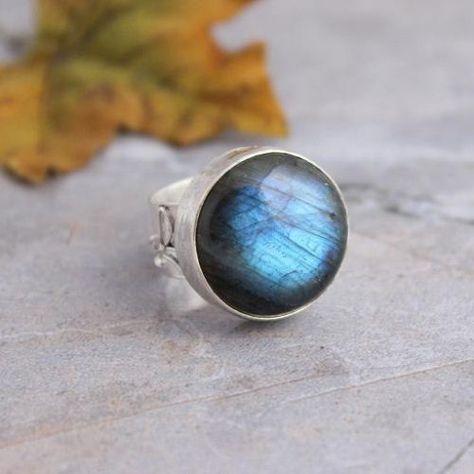 Artisan ring - Labradorite ring - Bezel set ring - Bold ring - Cabochon ring - Gemstone ring - Silver ring - Gift for her