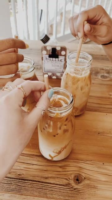 Weight Loss Cutting Out Junk Food - But First Coffee, Coffee Love, Coffee Break, Coffee Pics, Coffee Quotes, Aesthetic Coffee, Aesthetic Food, Starbucks Drinks, Coffee Drinks