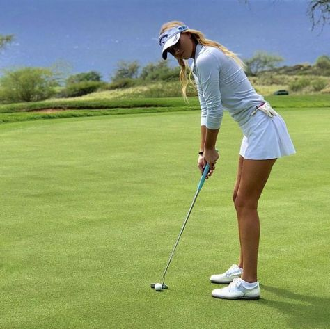 Store our wide choice of stylish and budget friendly Women's golf clothing. We carry the . A Ladies Guide On How To Dress For Golf. Girl Golf Outfit, Cute Golf Outfit, Sexy Golf, St Louis Blues, Golf Humor, Funny Golf, Disc Golf, Nike Dri Fit, Sport Meme