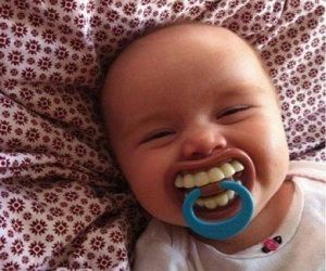 Why use an ordinary dummy when you can pick up one of these hilarious full set of teeth dummies today! Even when your baby is going through teething pain or just feeling ill, put a smile back on their face with this always smiling dummy! Awesome!